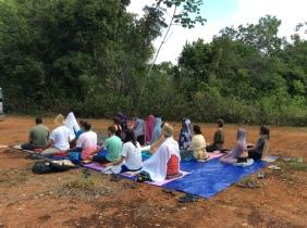 Primeira meditação no terreno após curso de 10 dias com prof. Valéria